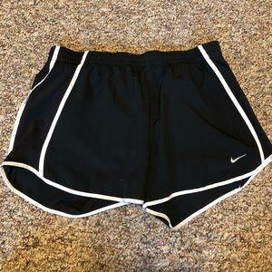 Black nike running shorts size medium